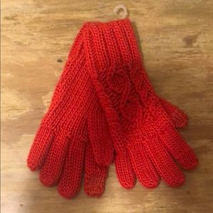 NWT Gap Heavy Crochet Gloves